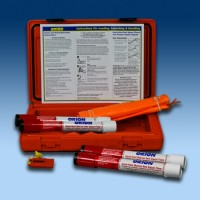 Orion Locator Plus Signal Kit Flares, Flag, Whistle